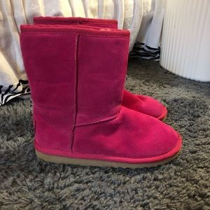 Shoes - Bright pink fur boots